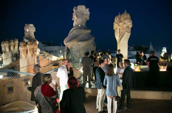 Pasa una noche de placer en barcelona despu s de hacer for Noche hotel barcelona