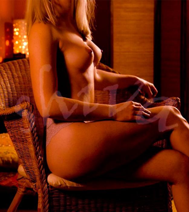 erotic-massaseus-hotel-Carol5